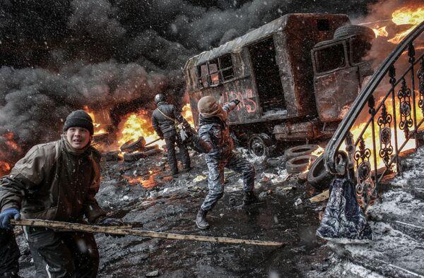 Scontri durante le manifestazioni a Kiev, nei giorni dell' Euromaidan. - Sputnik Italia