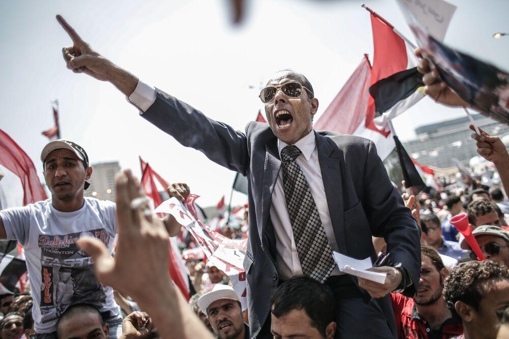 Oppositori del presidente egiziano Mohammed Morsi al Cairo.