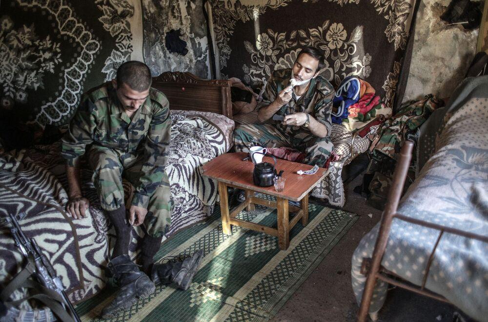 Soldati governativi siriani.