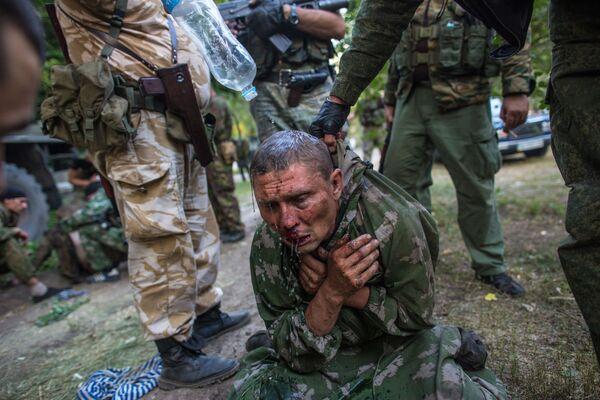 Soldato ucraino fatto prigioniero durante la battaglia per la città di Shahtersk. - Sputnik Italia