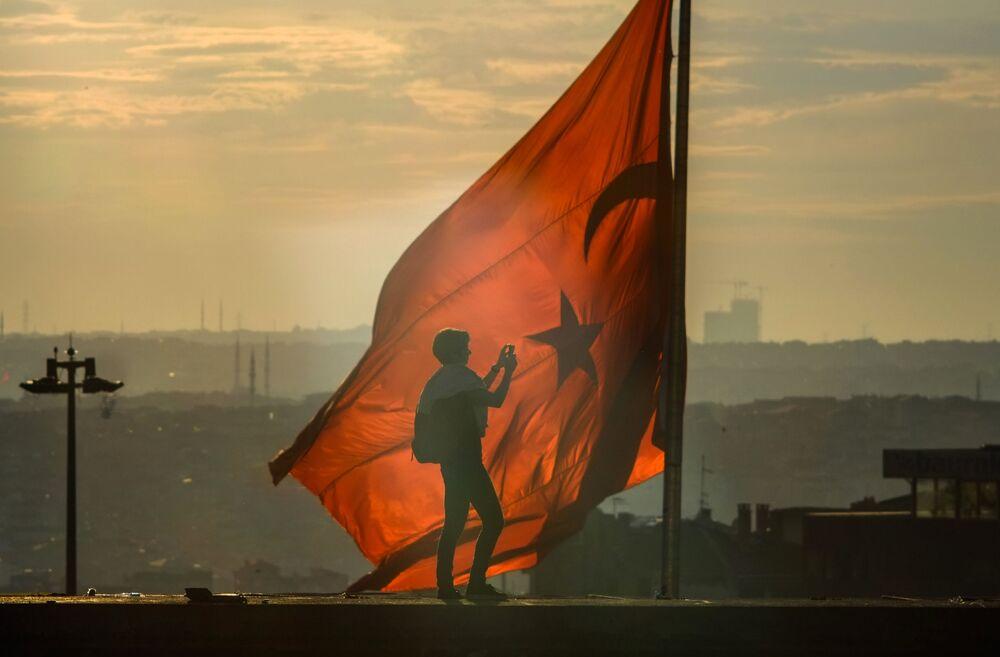 La bandiera turca a Istanbul.