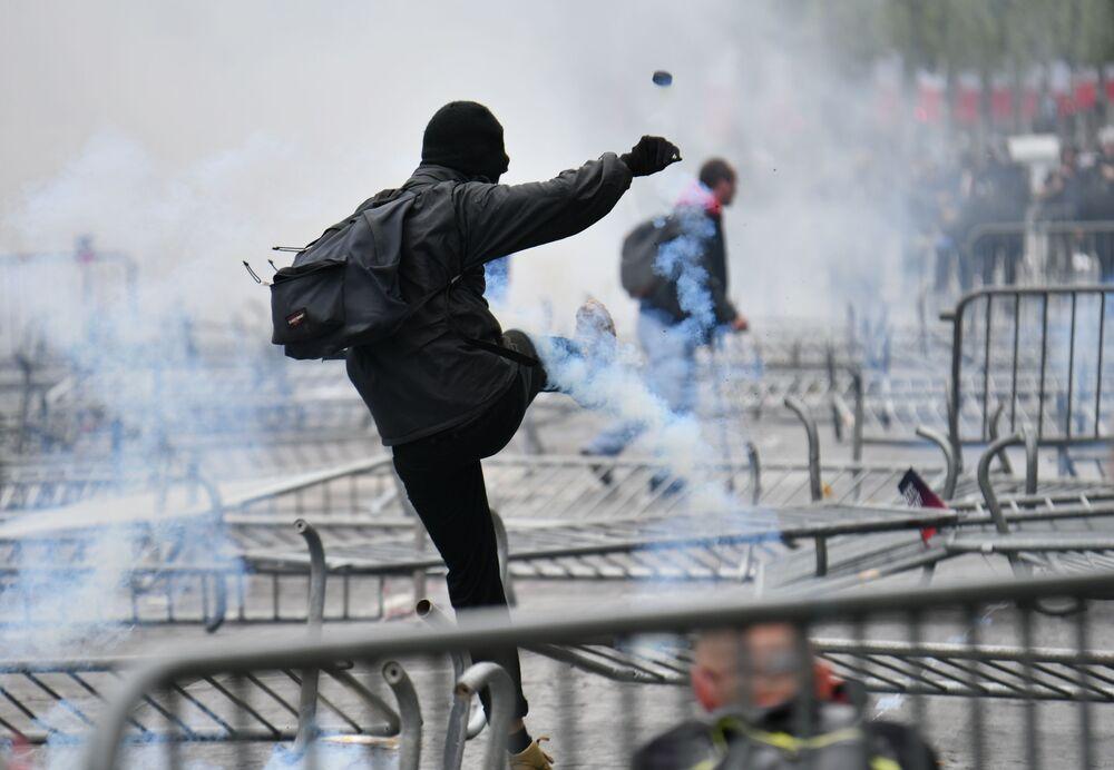 La manifestazione a Parigi.