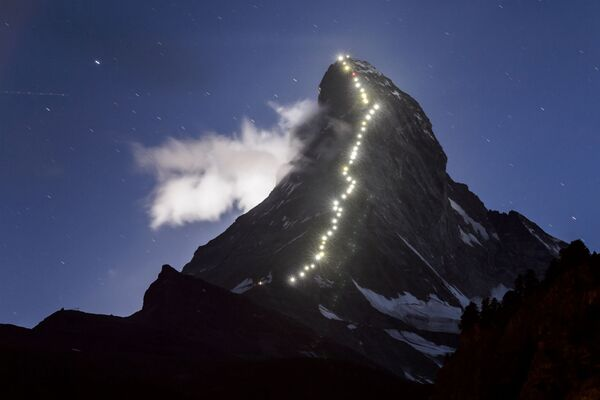 Zermatt, 13 luglio 2015: la celebre località alpina svizzera celebra il 150° anniversario della prima scalata al Matterhorn, compiuta dall'alpinista brittannico Edward Whymper nel 1865. - Sputnik Italia