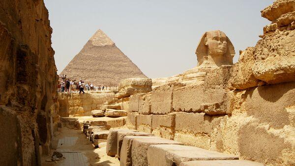 La Piramide di Cheope e la Grande Sfinge di Giza - Sputnik Italia