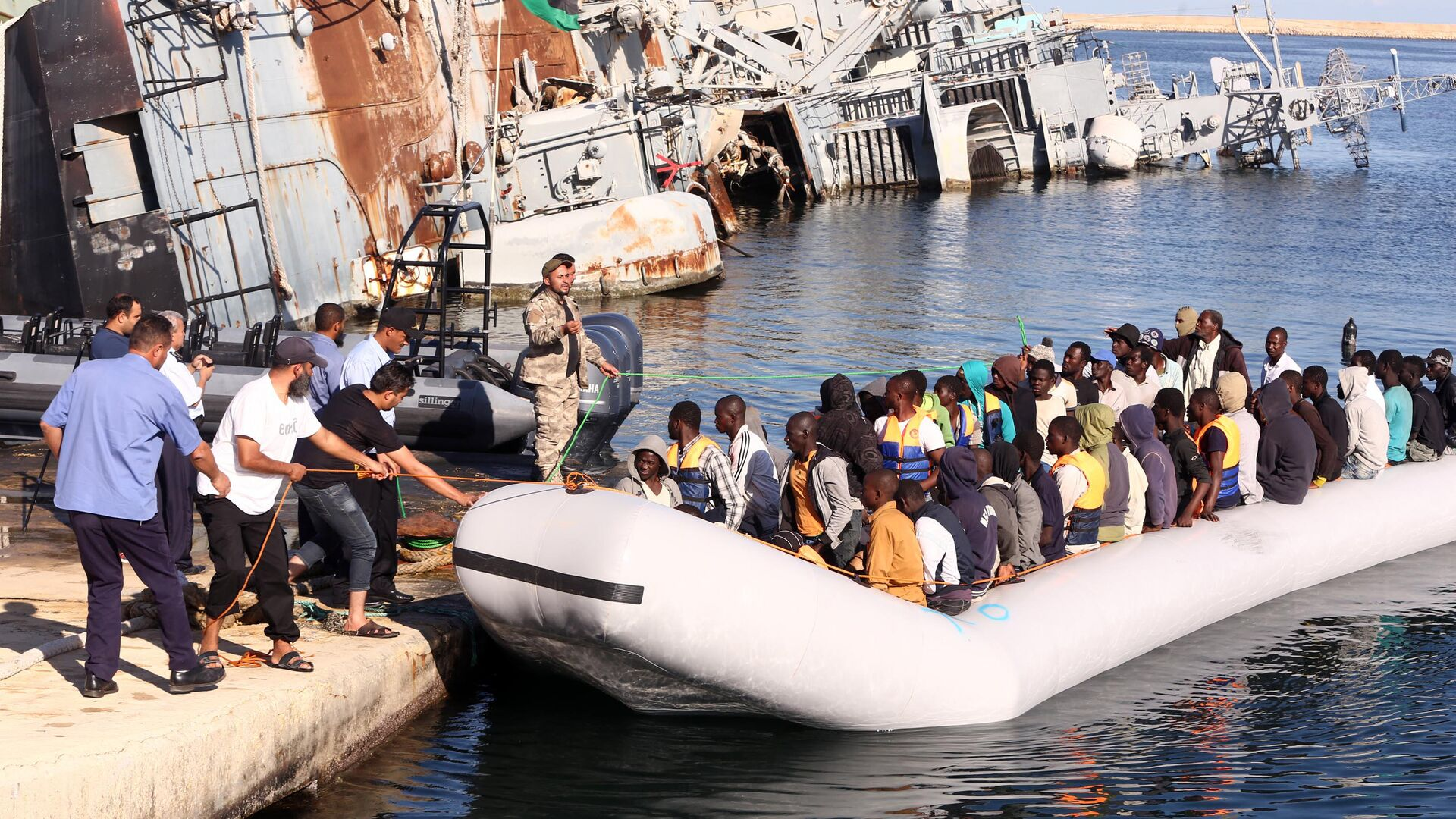 Migranti africani in Libia - Sputnik Italia, 1920, 01.06.2021