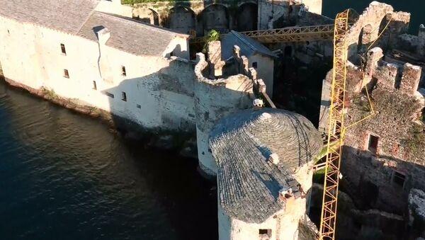 Lago Maggiore, crolla gru sui Castelli di Cannero - Sputnik Italia
