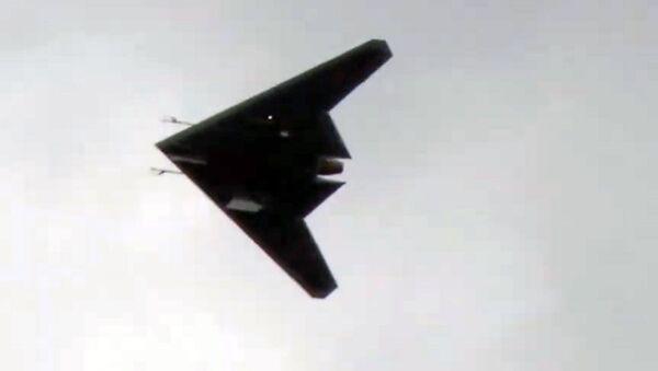 Первый полет новейшего беспилотника «Охотник» - Sputnik Italia