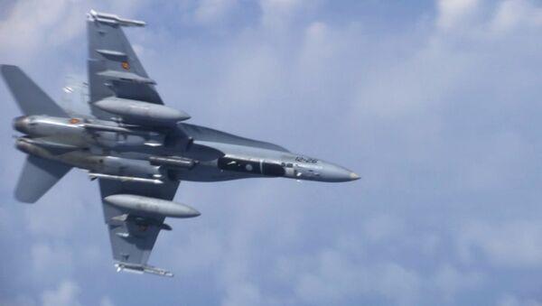 Caccia F-18 della NATO ha cercato di avvicinarsi all'aereo Shoygu sul Baltico - Sputnik Italia