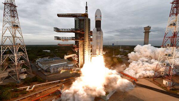Lancio della sonda lunare indiana Chandrayaan-2  - Sputnik Italia