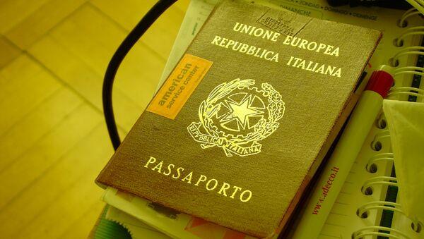 Passaporto italiano - Sputnik Italia