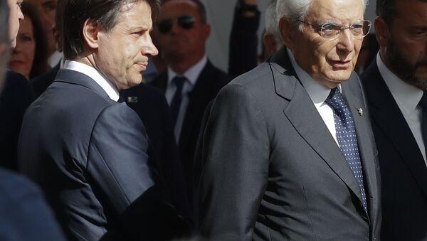 Giuseppe Conte e Sergio Mattarella  - Sputnik Italia