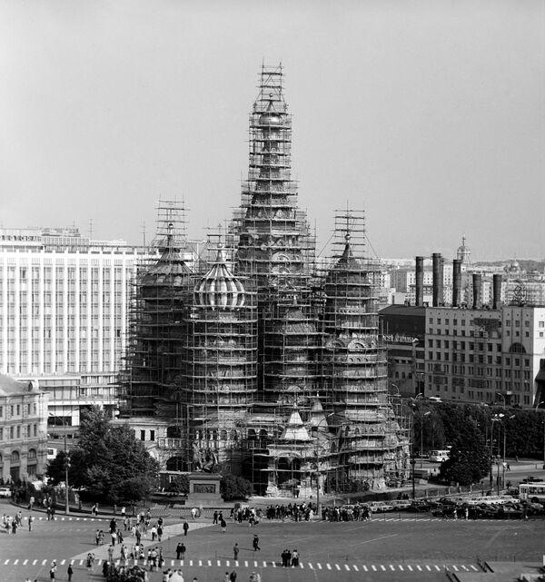La restaurazione della cattedrale di San Basilio a Mosca. 1979. - Sputnik Italia