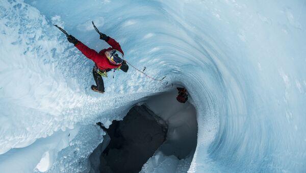 L'arrampicata su ghiaccio Will Gadd in Groenlandia. - Sputnik Italia