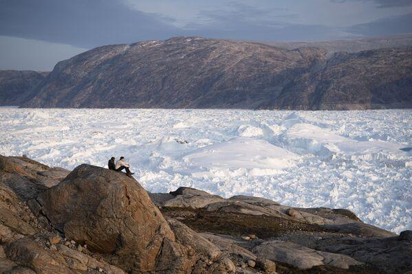 La vista del ghiacciaio Helheim in Groenlandia.  - Sputnik Italia