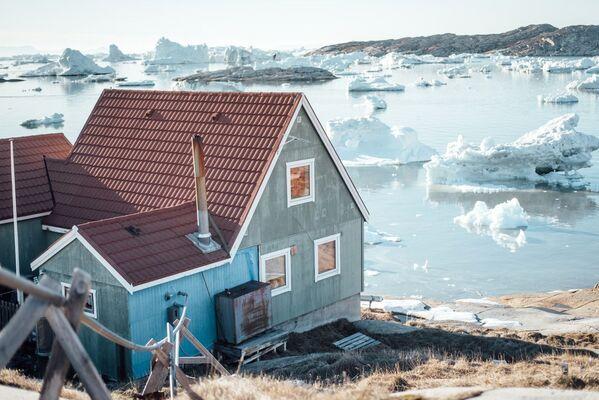 Questa è una casa tradizionale della Groenlandia.  - Sputnik Italia
