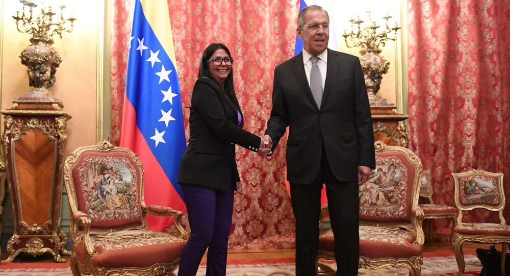 La vicepresidenta de Venezuela, Delcy Rodríguez y el canciller ruso, Serguéi Lavrov