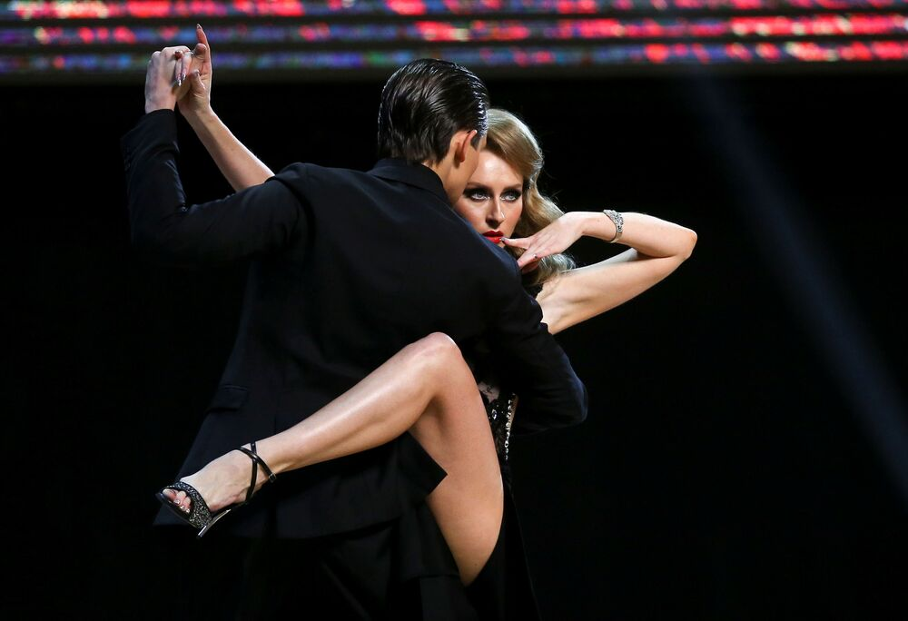 I ballerini russi Ivan Nabokin e Anastasia Izvekova al Tango World Championship a Buenos Aires, in Argentina.