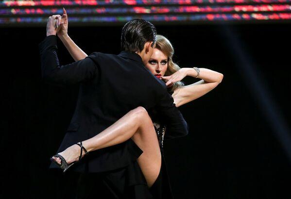 I ballerini russi Ivan Nabokin e Anastasia Izvekova al Tango World Championship a Buenos Aires, in Argentina. - Sputnik Italia