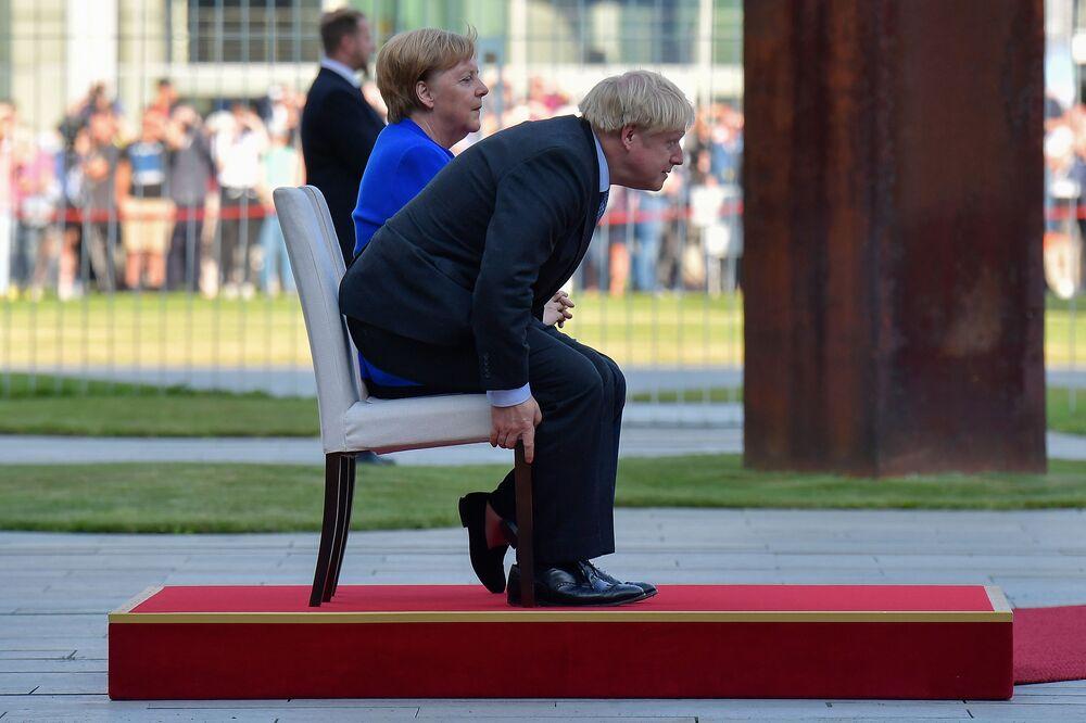 Il cancelliere tedesco Angela Merkel e il premier britannico Boris Johnson si incontrano a Berlino.