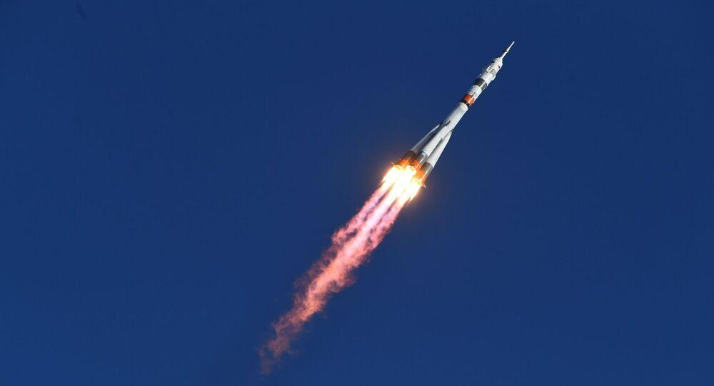 Lancio del razzo vettore Soyuz-2.1а con la navicella Soyuz MS-14 con a bordo robot Fedor