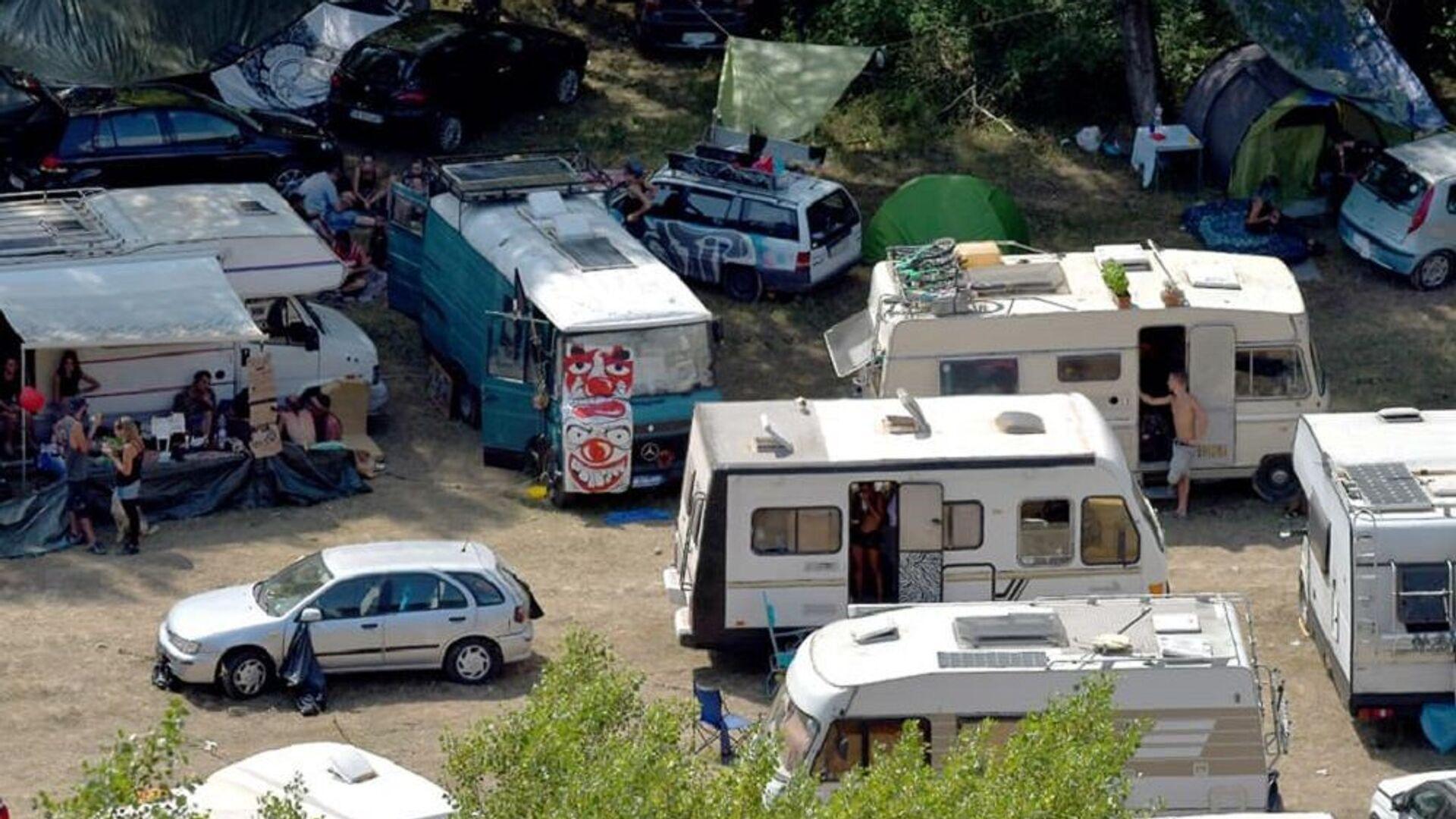 Rave party al parco nazionale dell'Appennino Lucano Val d'Agri nel Lagonegrese - Sputnik Italia, 1920, 19.08.2021