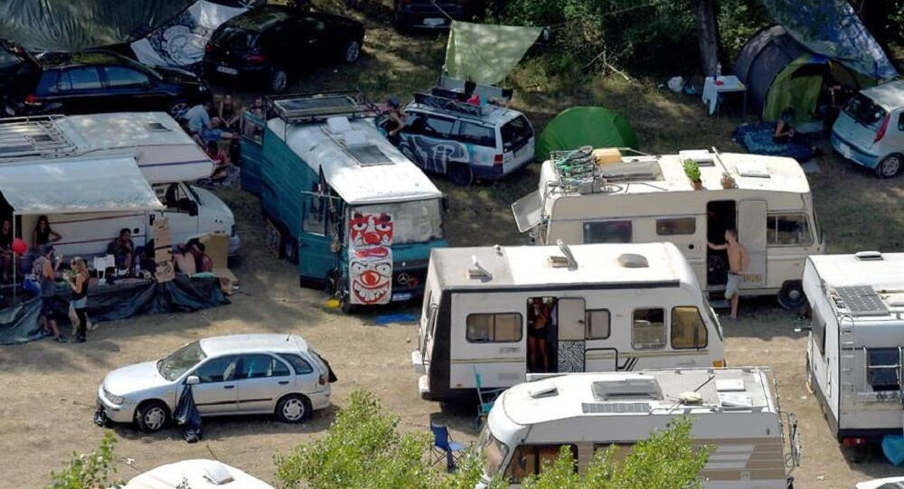 Rave party al parco nazionale dell'Appennino Lucano Val d'Agri nel Lagonegrese