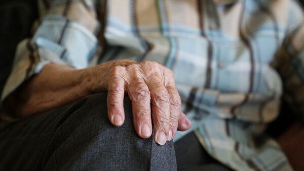 Uomo anziano - Sputnik Italia