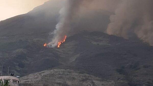 L'incendio dopo l'erruzione all'isola Stromboli - Sputnik Italia