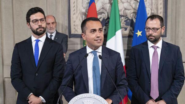 La delegazione dei gruppi parlamentari Movimento 5 Stelle, in occasione delle consultazioni - Sputnik Italia