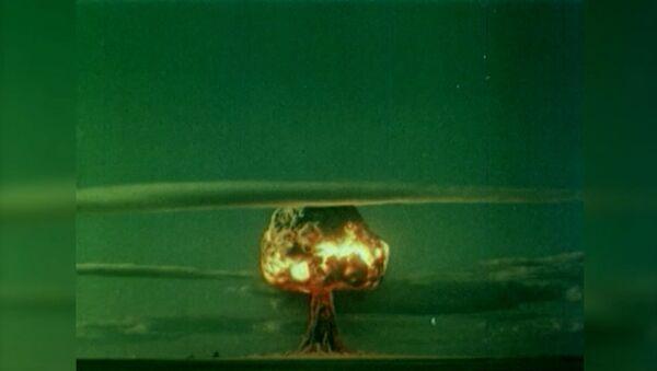 Il primo testi di una bomba atomica nell'URSS - Sputnik Italia