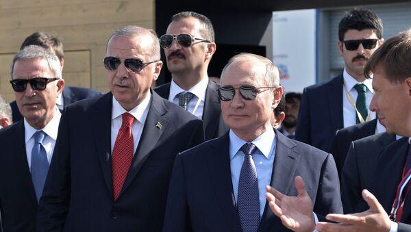 Il presidente russo Vladimir Putin e il presidente turco Recep Erdogan al MAKS 2019 - Sputnik Italia
