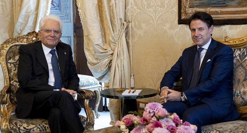 Sergio Mattarella e Giuseppe Conte (foto d'archivio)