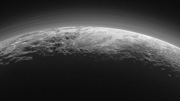 Plutone visto dalla sonda New Horizons - Sputnik Italia