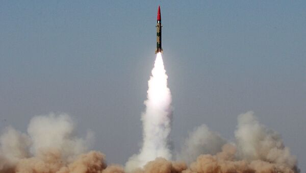 Il lancio del missile balistico a corto raggio Ghaznavi, 2008 - Sputnik Italia