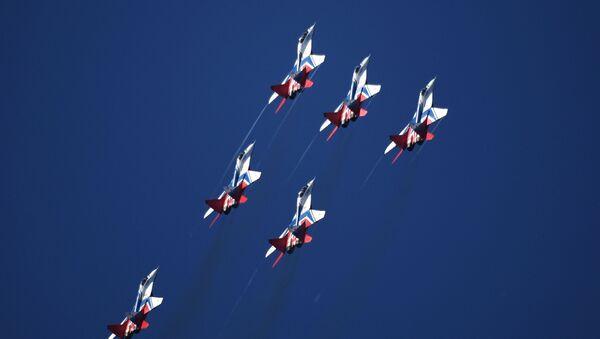 La squadriglia acrobatica dei caccia Strizhi - Sputnik Italia