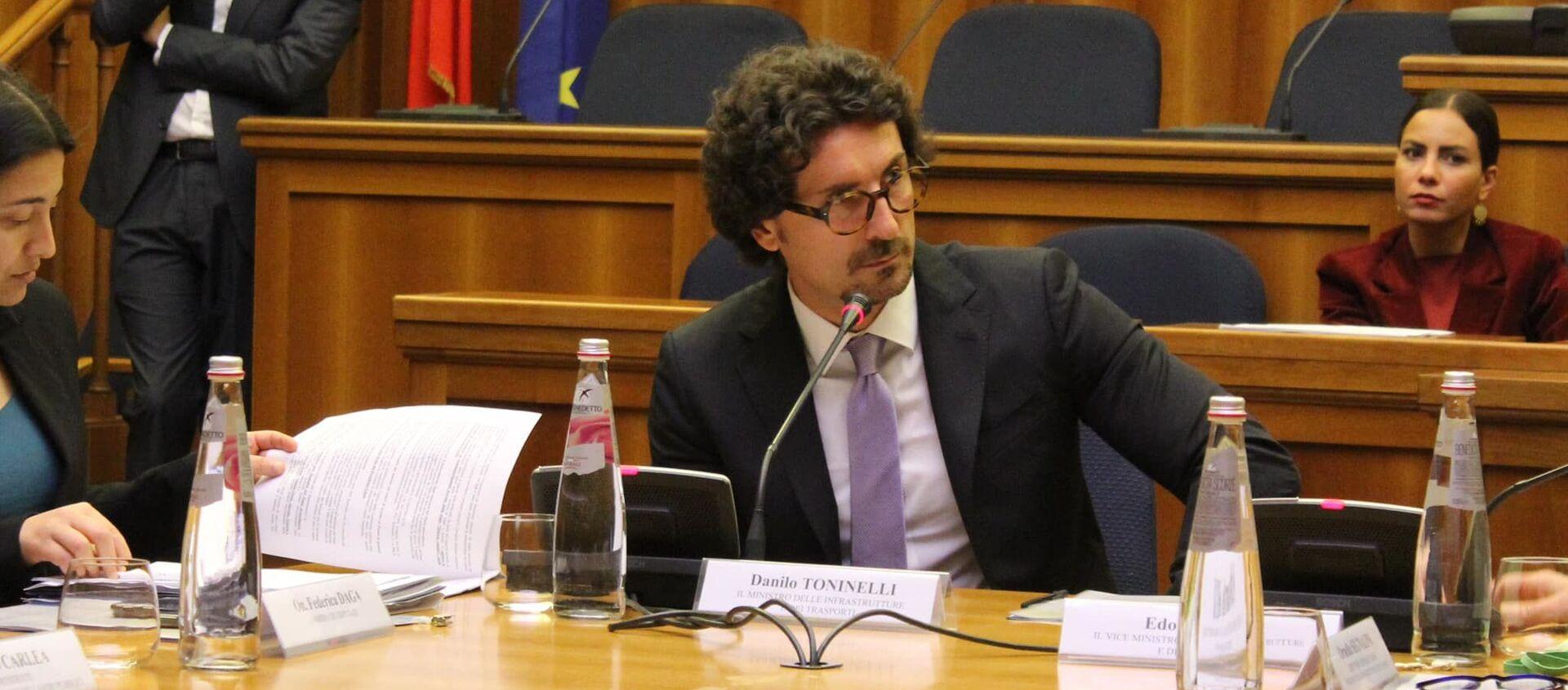 Danilo Toninelli, ministro delle infrastrutture e dei trasporti - Sputnik Italia, 1920, 18.04.2021