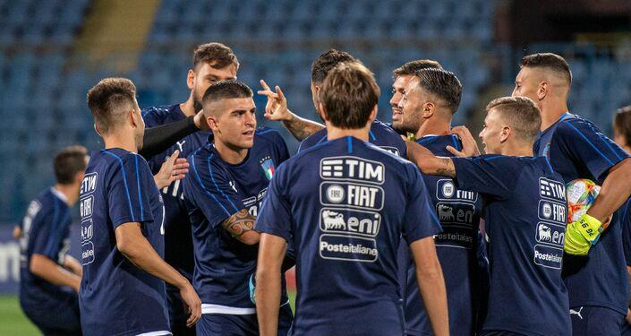Squadra italiana in allenamento prima della partita con l'Armenia