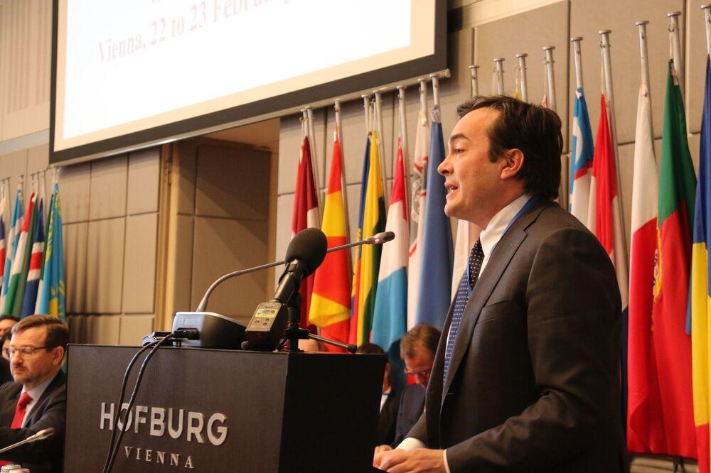 Enzo Amendola, ministro degli Affari europei nel governo Conte-bis