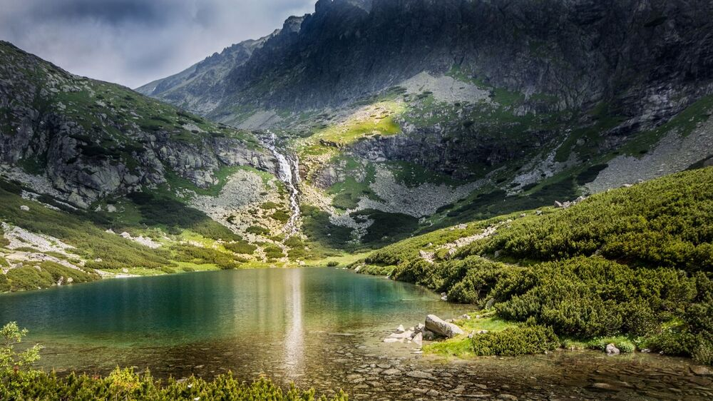 Le montagne degli Alti Tatro in Slovacchia: ogni anno circa 5 milioni di turisti vanno qui in vacanza.