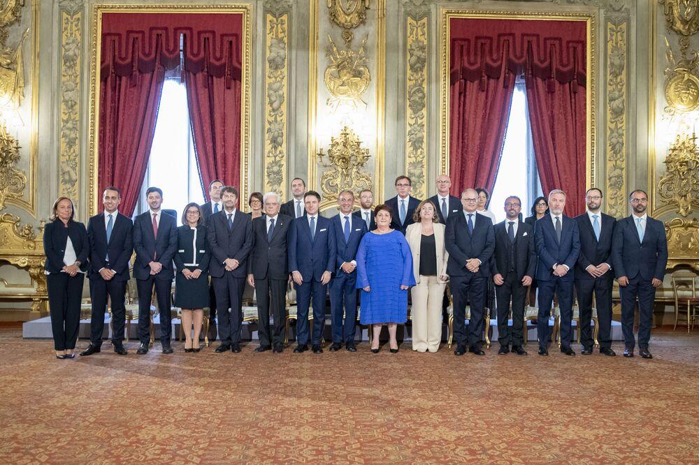 Il Presidente Sergio Mattarella in occasione della cerimonia di giuramento del Presidente del Consiglio dei Ministri Giuseppe Conte e dei membri del nuovo Governo