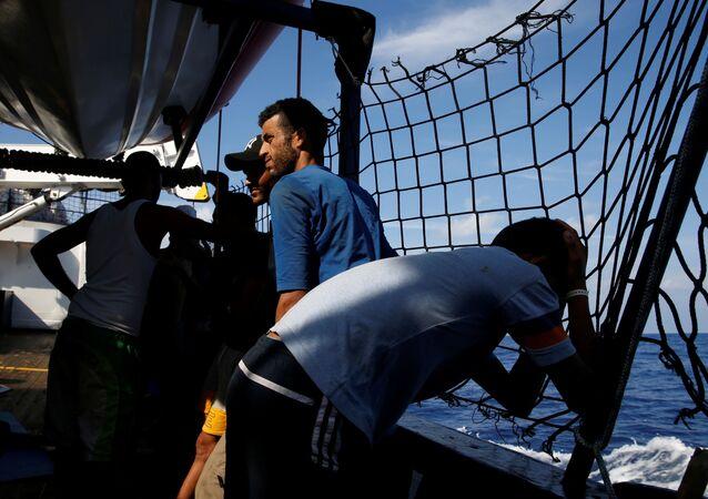 Migranti sulla nave Alan Kurdi