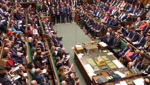 Il premier britannico Boris Johnson parla alla Camera dei comuni dei Regno Unito - Sputnik Italia
