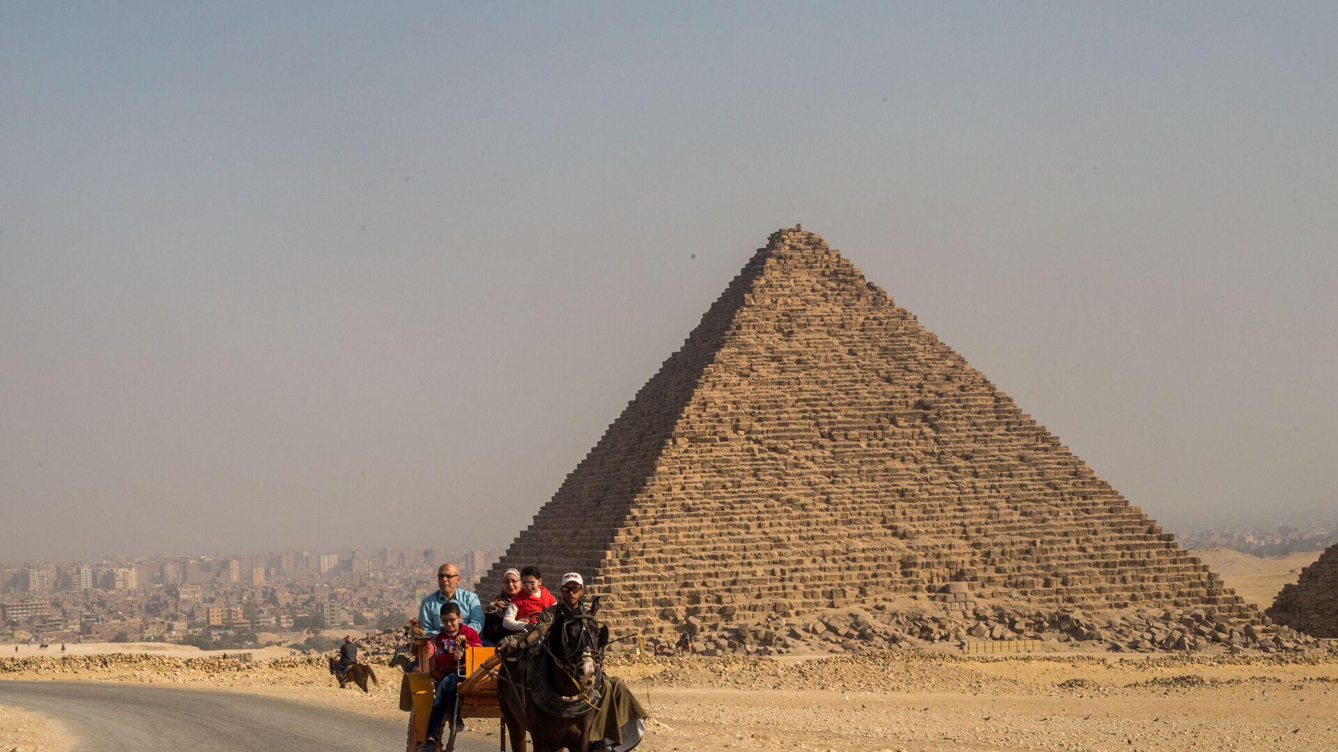 Piramidi in Egitto - Sputnik Italia, 1920, 12.04.2021