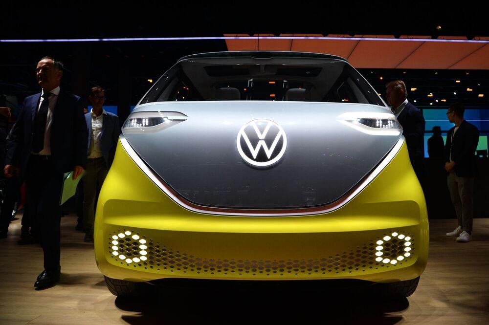 Questo è ID. Buzz della Volkswagen. Non assomiglia a niente? I rappresentanti della compagnia assicurano che il discendente del famoso Microbus sarà in vendita già dall'anno prossimo.