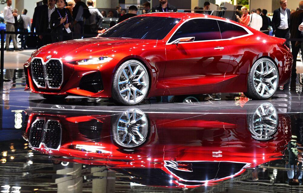 BMW Concept 4: a quanto pare, la casa automobilistica bavarese fa degli esperimenti con il design per le auto nuove.