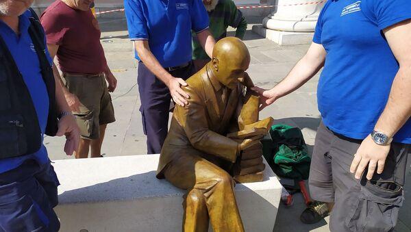 Statua Gabriele D'Annunzio a Trieste - Sputnik Italia