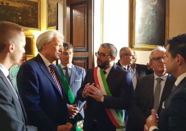 L'ambasciatore della Russia in Italia Sergey Razov e il Sindaco dell'Aquila Pierluigi Biondi. (nel centro)