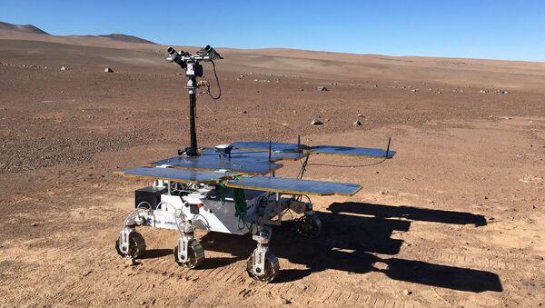 Марсоход ExoFit в пустыне Атакама, Чили - Sputnik Italia