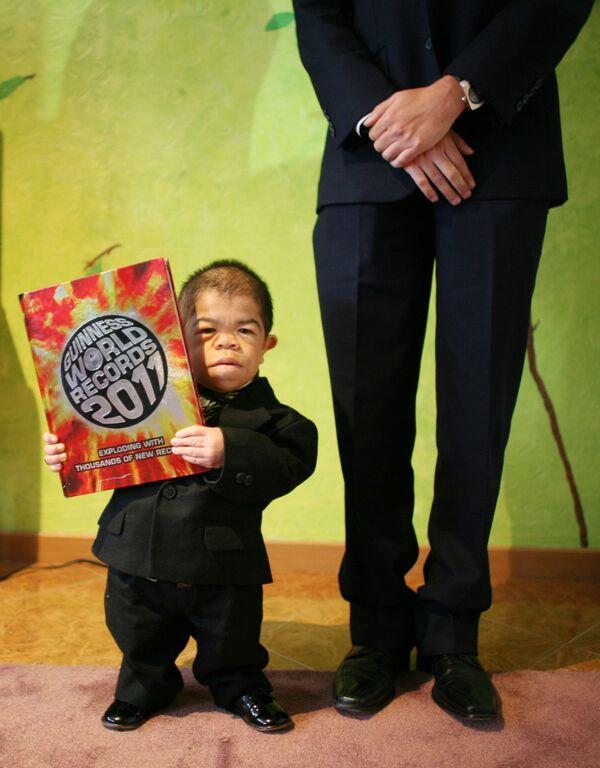 Il colombiano Edward Niño Hernández, nel 2010 riconosciuto come il più piccolo uomo al mondo.  - Sputnik Italia