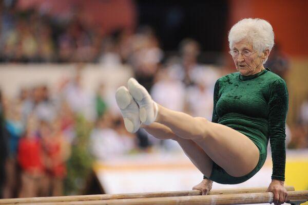 Johanna Quaas, riconosciuta nel 2012 come la ginnasta più vecchia del mondo. La donna tedesca è nata nel 1925. - Sputnik Italia